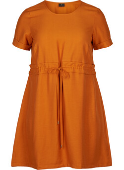 Dress with short sleeves
